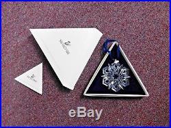 1999 SWAROVSKI CRYSTAL CHRISTMAS ORNAMENT STAR -Box