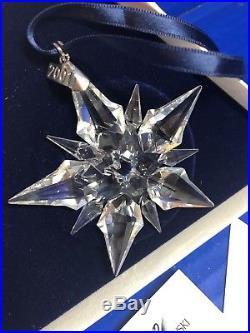 2001 Swarovski Crystal Annual Christmas Ornament Star Snowflake WithBox