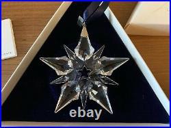 2001 SwarovskiSnowflake STAR Annual Christmas ORNAMENT with Box & certificate