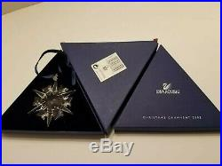 2002 SWAROVSKI CRYSTAL ANNUAL SNOWFLAKE CHRISTMAS ORNAMENT With BOX & SLEEVE MINT
