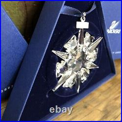 2002 SwarovskiSnowflakeSTAR Annual Christmas ORNAMENT with Box & paper (LARGE)