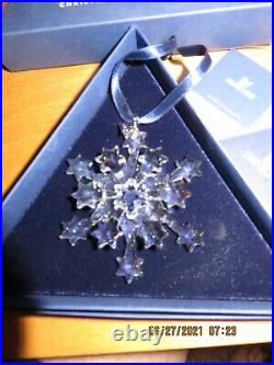 2004 Swarovski Crystal Snowflake Star Holiday Christmas Annual Ornament 631562