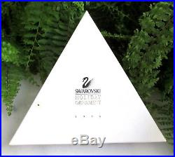 LOVELY 1996 SWAROVSKI CRYSTAL SNOWFLAKE CHRISTMAS ORNAMENT With BOX & PAPERS