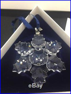 MINT 1996 SWAROVSKI CRYSTAL Christmas Snowflake Ornament withBox & Certificate