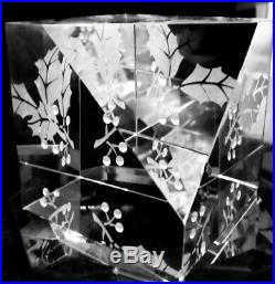 NEW in BOX STEUBEN glass HOLLY CRYSTAL engraved paperweight ornament XMAS star