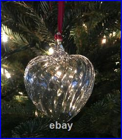 NEW in BOX STEUBEN glass PUFFY HEART ORNAMENT crystal CHRISTMAS tree GIFT