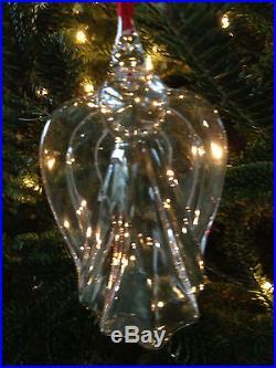 New in Box Art Glass STEUBEN ANGEL Christmas Ornament Lovely Rare Heart Crystal