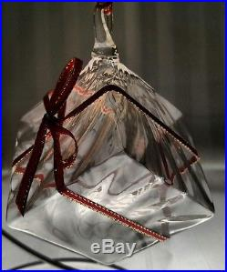 STEUBEN Glass GIFT BOX or PRESENT Rare Crystal Christmas Ornament