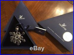 SWAROVSKI CRYSTAL 2004 CHRISTMAS SNOWFLAKE ORNAMENT with ORIGINAL BOX