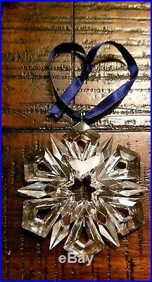 Swarovski 1999 crystal snowflake Christmas Ornament (with original box)