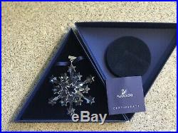 Swarovski crystal Christmas Ornament Snowflake 2004